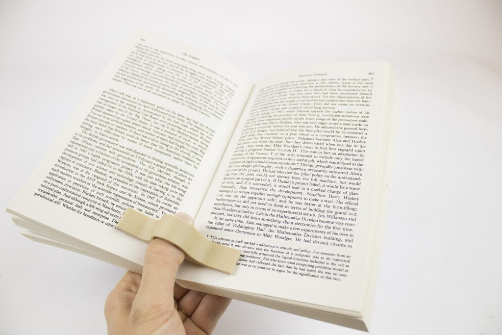 bookholder_woodfill